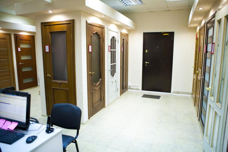 оформление входной двери в офис