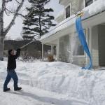 Безопасная уборка снега с крыш