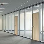 Офисные цельностеклянные двери